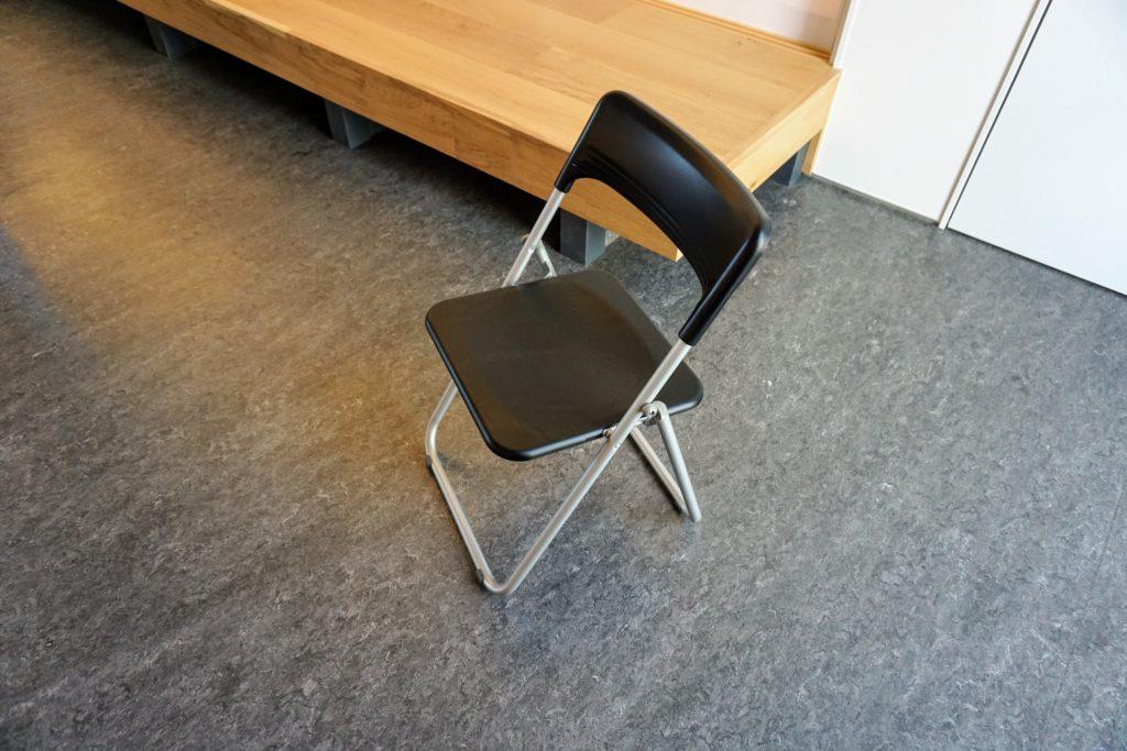 まちなか交流センター「くるる」 椅子